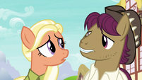 Snap and Mane look surprised at each other S9E12