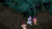 Cutie Mark Crusaders fall into a mudslide S5E6
