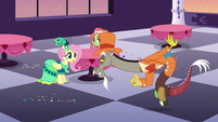 """Discord """"we'll be back in a bit"""" S5E7"""