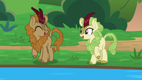 Fern Flare and Kirin laugh together S8E23