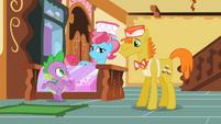 Greeting Spike S02E10
