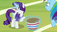 Rarity nervous about catching the ball S8E17