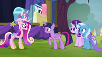 Twilight and Cadance face other other S8E19
