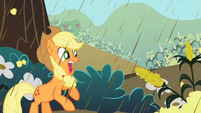 Applejack getting attacked by corn S2E01