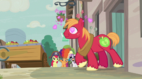 Big Mac exits Sugar Belle's house with heart eyes S7E8
