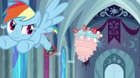 Rainbow Dash spins Cozy Glow around S9E24
