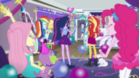Rarity's friends surprise her with a party EGDS40