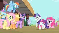 Rarity explains about the tickets S4E08