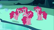 S03E03 4 Pinkie Pies
