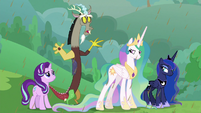 "Discord ""don't look at me!"" S9E25"