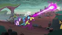 Ember shooting her dragon breath S7E1