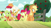 """Goldie Delicious """"well, braid my mane!"""" S9E10"""
