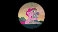 Iris out on Pinkie, Maud, and Mudbriar S8E3