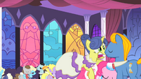 May Ball gets lifted by Pinkie S1E26
