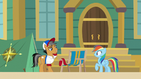 Quibble and Rainbow outside the museum S9E6