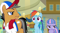 Quibble glares at Rainbow for her remark S9E6