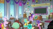 Starlight Glimmer counseling the students S8E2