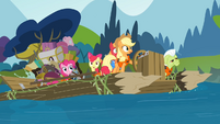The Apples and Pinkie on the raft S4E09