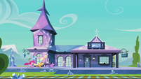 Main ponies racing to the train station S03E12