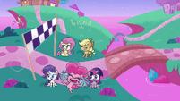 Mane ponies cheering for Rainbow Dash PLS1E2b