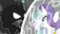 Pony of Shadows threatening Rarity and Mistmane S7E26