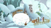Snowball falls on top of Cozy Glow S9E8