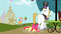 Apple Bloom falling near snobby stallion S2E17