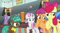 Crusaders overcome by Bloofy's cuteness S9E22