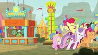 Ponies carrying Apple Bloom off S9E22