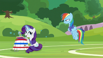 Rarity apologizes for not paying attention S8E17