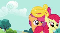 Apple Bloom takes her balloon goldfish S5E19