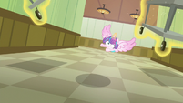 Flurry Heart looking under medical carts S7E3