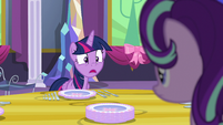 "Twilight ""...are sharp!"" S06E06"