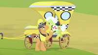 Cabbie pony helps Granny into the taxi S4E17