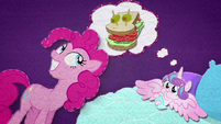 Flurry Heart thinking of a sandwich BFHHS2