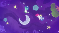 Pinkie and Gummy float through space S9E4