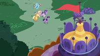 Twilight and friends going to Carousel Boutique S7E19