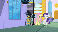 Rarity looking absolutely disgusted S9E24