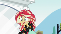 Sunset Shimmer helps Starlight stand up EGS3
