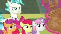 Terramar and CMC look at Twilight's trophy S8E6