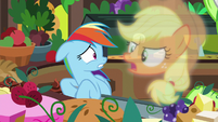 Applejack vision -they can only eat soft foods!- S8E5