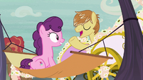 Feather Bangs appears in a fancy carriage S7E8