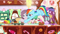 Rainbow and Pinkie pouring cupcake batter S8E18