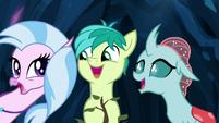 Silverstream, Sandbar, and Ocellus singing S9E3