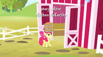 Apple Bloom carrying pies S4E17