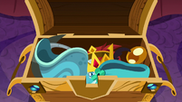 Chest of magical creature artifacts S8E15