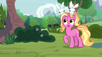 Luster Dawn with bunnies on her head S9E26