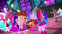 Mane Six taking props from Pixel Pizzaz SS2