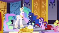 """Princess Luna """"fruit faces on pancakes"""" S7E10"""