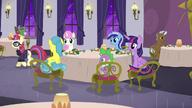 S05E12 Moondancer wychodzi z restauracji